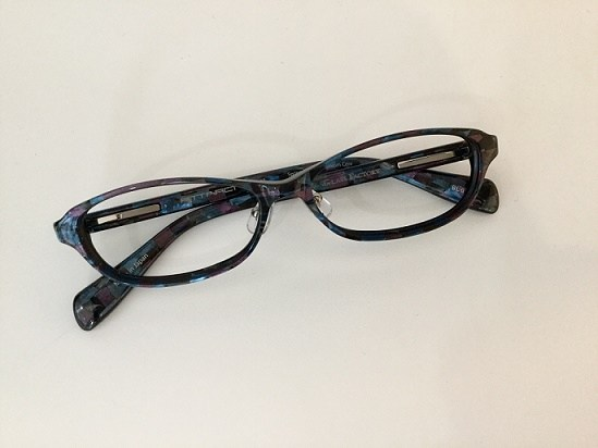 プラスチックメガネ ノーズパット ズレにくい 交換 神戸3.jpg